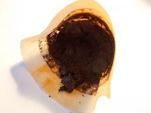Guest Post: Δεν πετάμε το κατακάθι του καφέ: 10+1 χρήσεις που δε γνωρίζαμε!