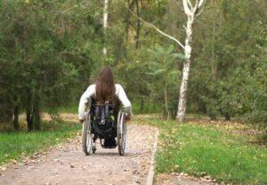 Ας μαζέψουμε 6.000 ευρώ για να περπατήσει η 11χρονη Μαρία